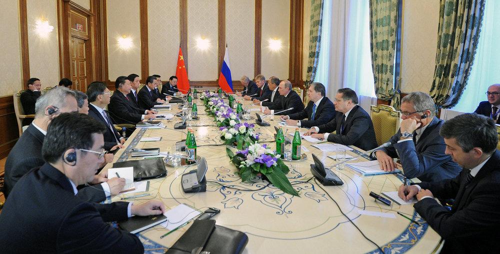 俄罗斯联邦总统弗拉基米尔•普京与中华人民共和国主席习近平会晤