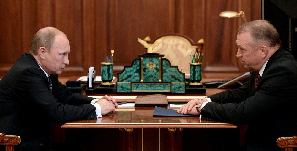 2015年圣彼得堡经济论坛将结合上合组织和金砖国家的工商论坛活动举办
