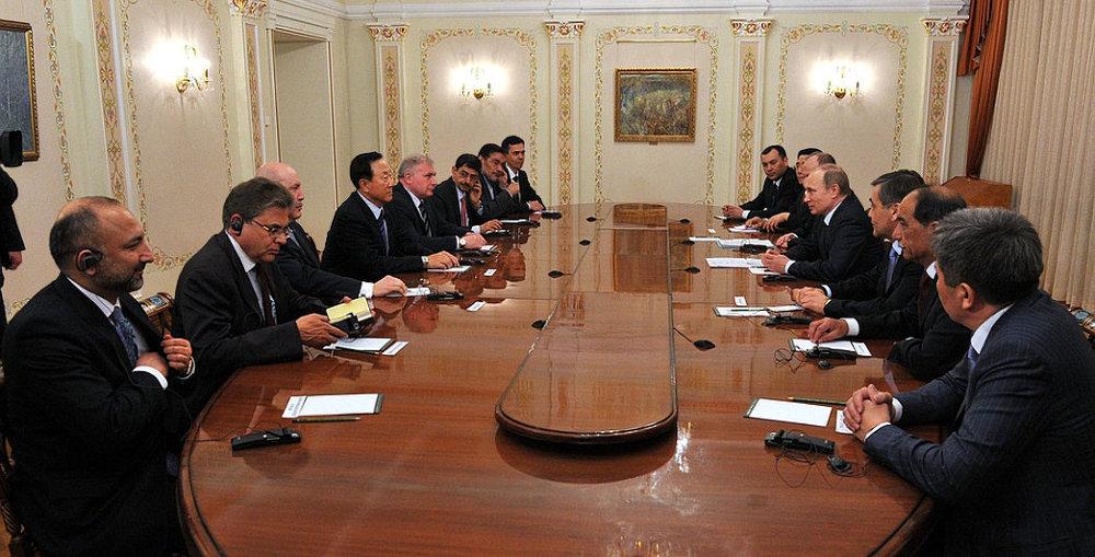 Президент Российской Федерации Владимир Путин встретился с секретарями советов безопасности стран ШОС