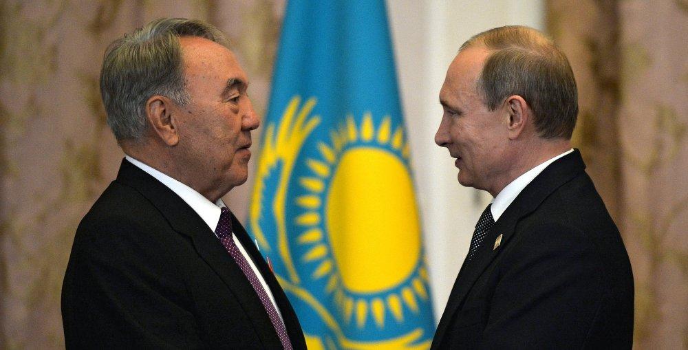 俄罗斯总统普京与哈萨克斯坦总统纳扎尔巴耶夫举行会晤