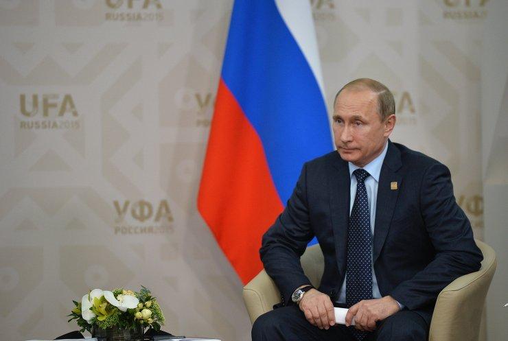 Беседа Президента Российской Федерации Владимира Путина с Премьер-министром Исламской Республики Пакистан Навазом Шарифом